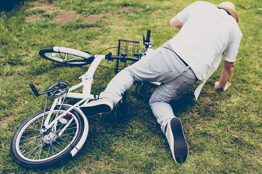 自転車で転ぶ